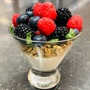 BERRY & MAPLE YOGURT PARFAIT  - 6 Servings