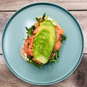 SMOKED SALMON & AVOCADO TOAST - 4 Servings
