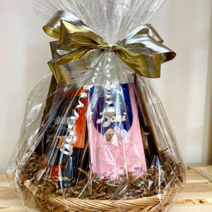 GOURMET SWEET TREATS GIFT BASKET